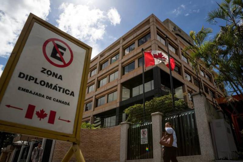 Canada's embassy in Caracas is to be temporarily shut. (Miguel Gutierrez / EPA)